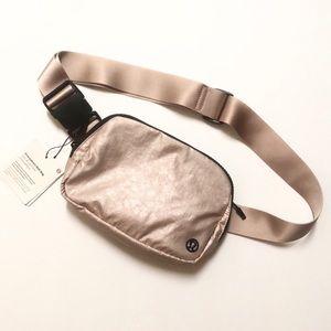 Lululemon Everywhere Belt Bag Metallic Pink NWT